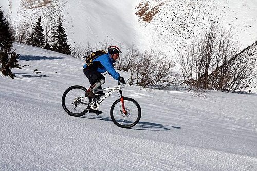 winter-slovakia-bike-riding