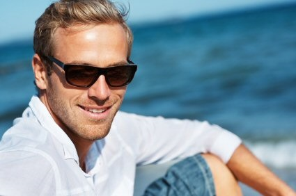 Man-at-beach-with-sunglasses