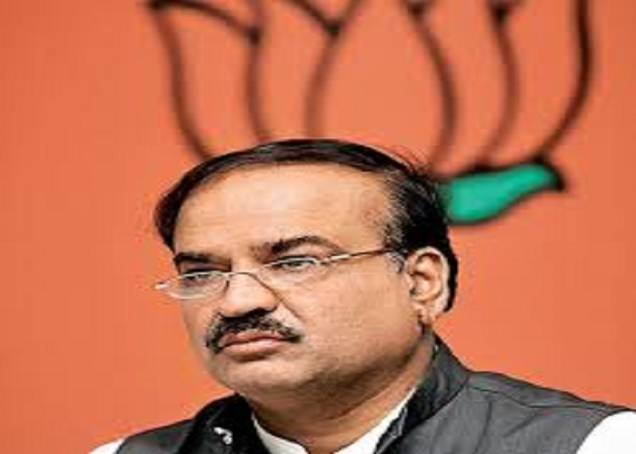 But what happens to the Union Minister for Chemicals and Fertilizers Ananth Kumar's enigmatic smile when he wears a pair of eyeglasses?
